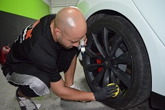 Rim faces cleaned and tires treated with water based, non-sling tire dressing